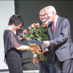 Prezydent Wejherowa Krzysztof Hildebrandt razem z zastępcą Arkadiuszem Kraszkiewiczem (absolwentem I LO) w uznaniu zasług i w podziękowaniu za wieloletnie budowanie pozytywnego wizerunku wejherowskiej oświaty wyróżnił dyrektor szkoły Bożenę Conradi Statuetką Jakuba Wejhera.