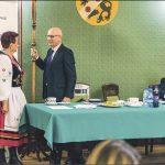 Przewodniczący Rady Powiatu Wejherowskiego Józef Reszke i wiceprzewodniczący: Genowefa Słowi i Bogdan Tokłowicz. Fot. Starostwo