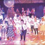 Najwięcej wdzięku i niemałe umiejętności taneczne zaprezentowały na parkiecie dzieci, wzbudzając aplauz widzów. Fot. Urząd Miejski
