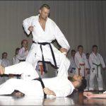 Julia Mudlaff i Karolina Wittbrodt - zawodniczki Karate Klub Wejherowo oraz karatecy Stowarzyszenia Sportów Walki Karate Shotokan podczas pokazu walk.