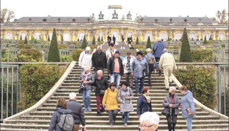 Zachwycający zespół parkowo-pałacowy Sanssouci w Poczdamie.