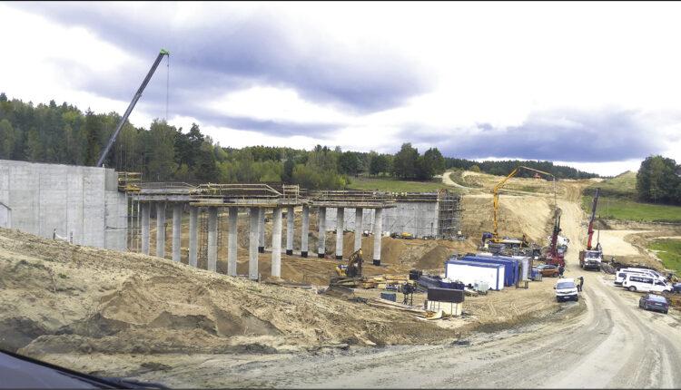 Na zdjęciach prezentujemy budowę Trasy Kaszubskiej w tym obiektów inżynierskich na terenie gminy Szemud. Fot. Leszek Spigarski